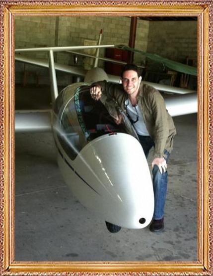 Steven-Flies-a-Glider-